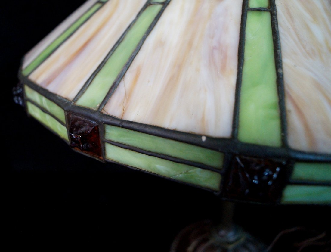 LEADED GLASS TABLE LAMP - 5