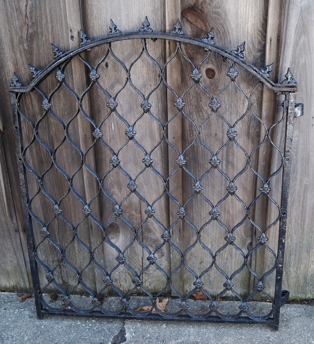 CAST IRON GATE W/ SPIKE TOP