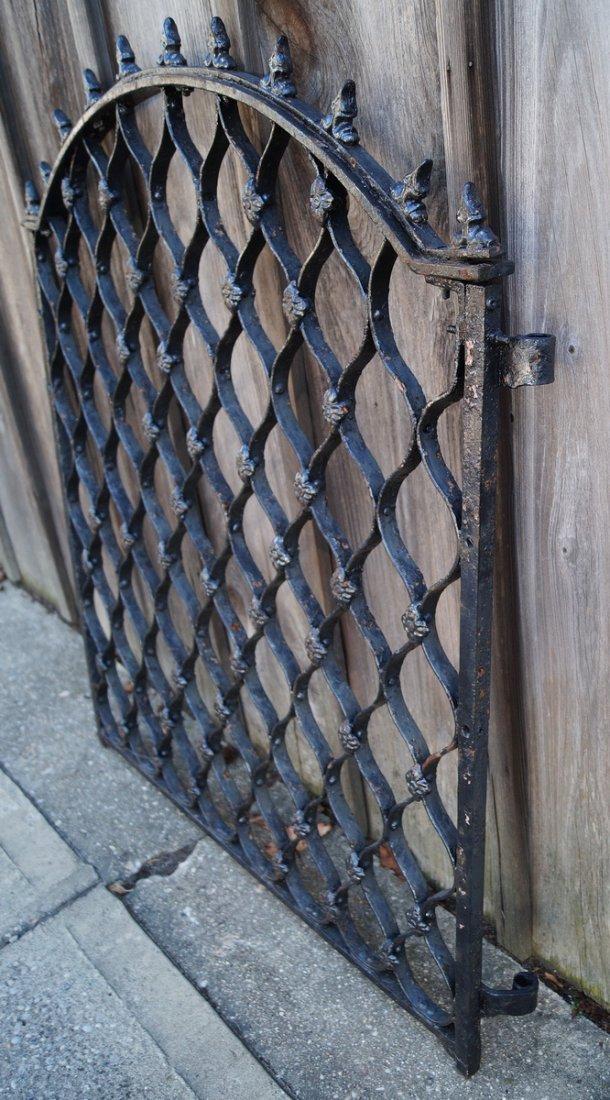 CAST IRON GATE W/ SPIKE TOP - 4