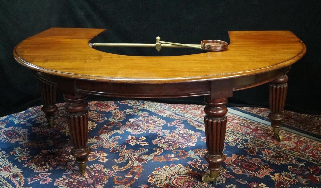 WM IV MAHOGANY HUNT TABLE (C. 1835)  W/PIVOTING