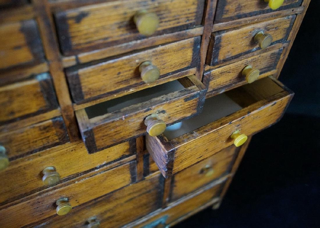 ANTIQUE DIMINUTIVE APOTHECARY CHEST - 3