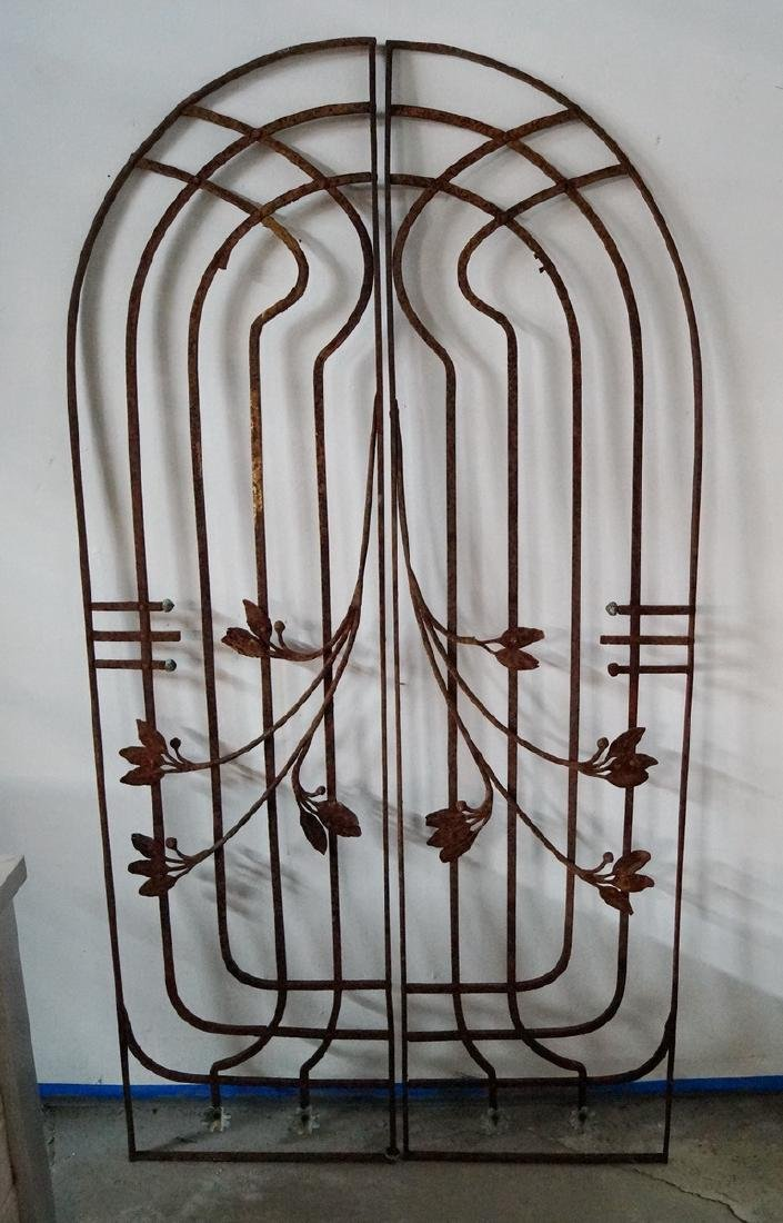 ARCHED WROUGHT IRON DOUBLE GATE