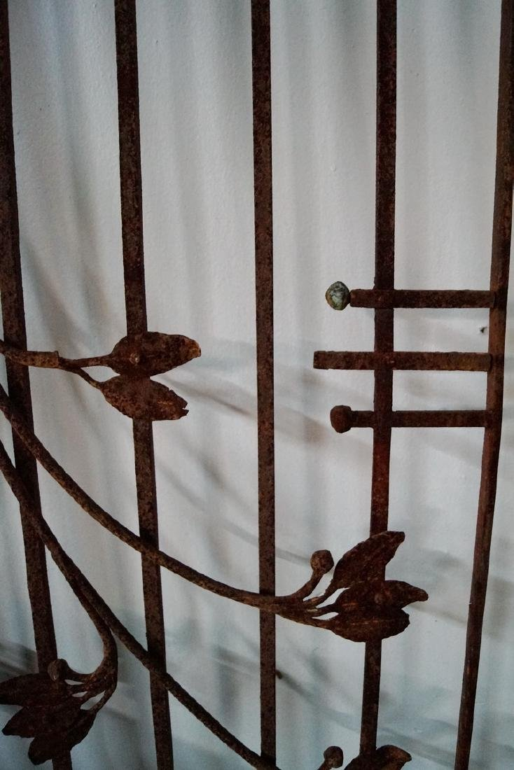 ARCHED WROUGHT IRON DOUBLE GATE - 4