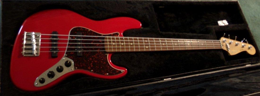 Fender Jazz Bass Deluxe Series - 3