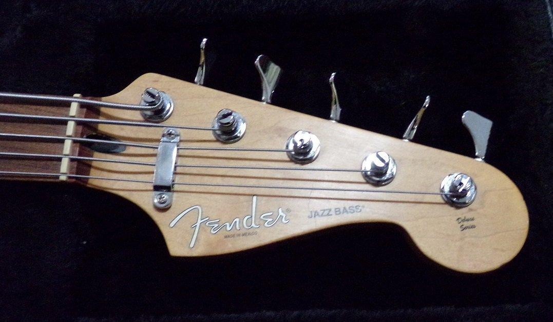 Fender Jazz Bass Deluxe Series - 4