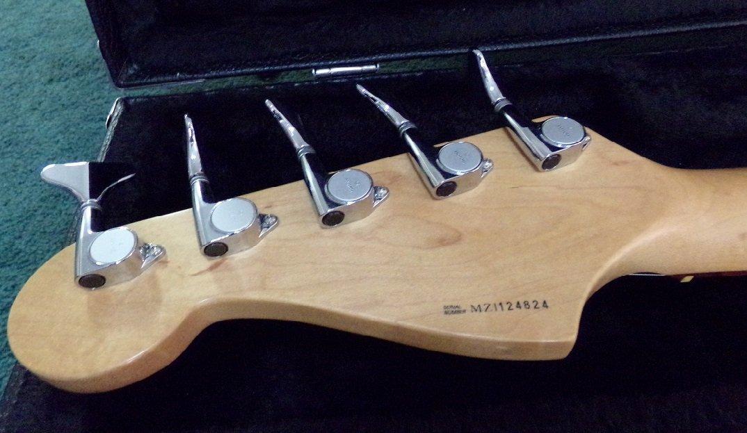 Fender Jazz Bass Deluxe Series - 5