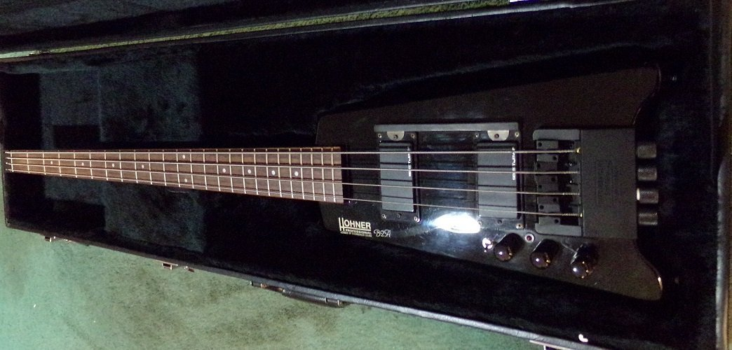 Hohner B2A Electric Bass with Hardshell case - 2