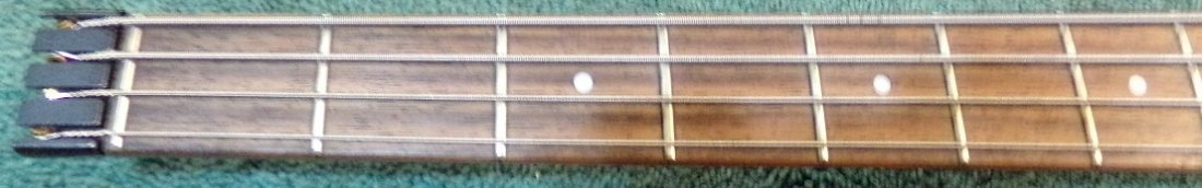 Hohner B2A Electric Bass with Hardshell case - 6