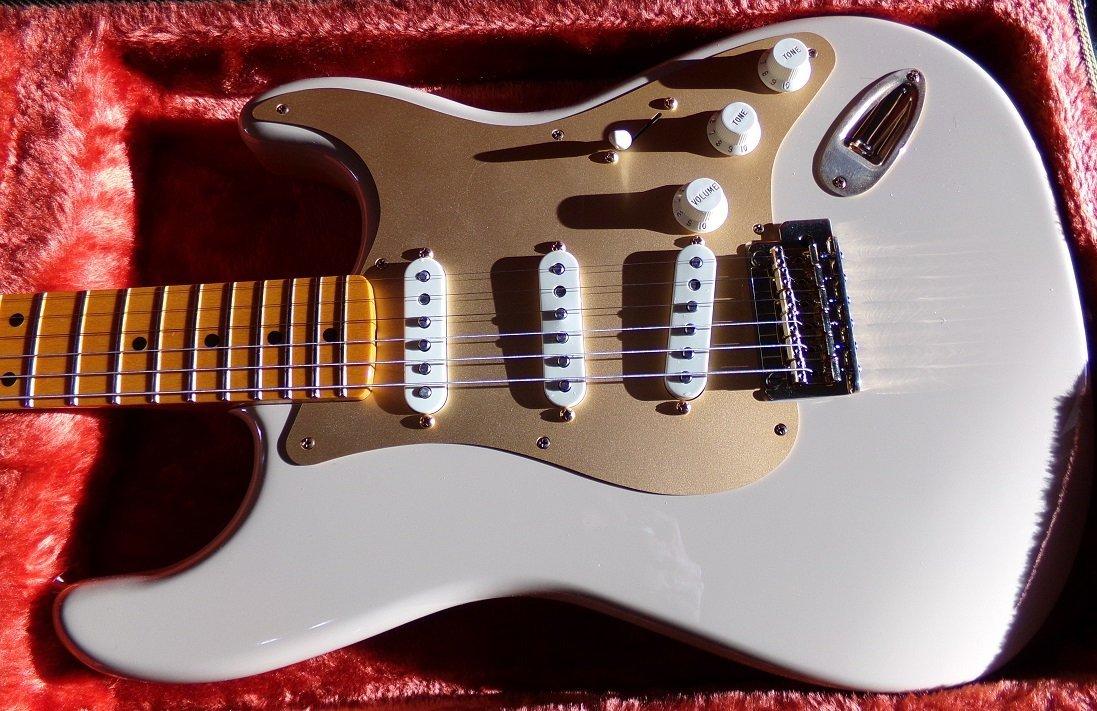 Fender Stratocaster Original Contour Body White Blonde