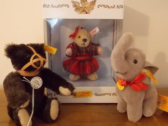 3 Steiff Miniatures Christmas 2004