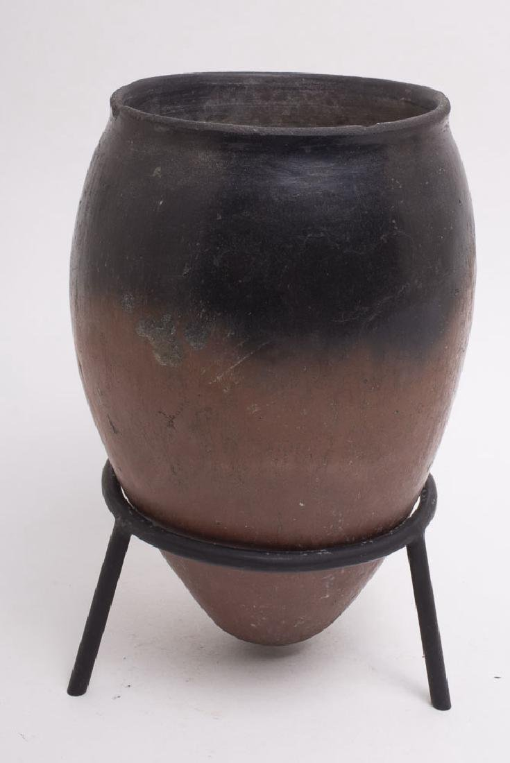 Egyptian Black-Topped Redware Jar Naqada II c.3600 BC