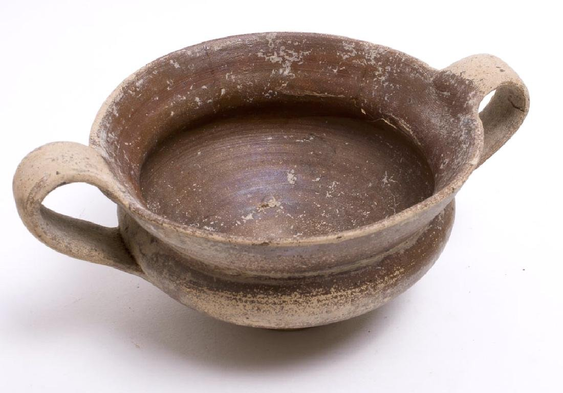 Ancient Apulian Pottery Skyphos Circa 4th Century BC. - 2