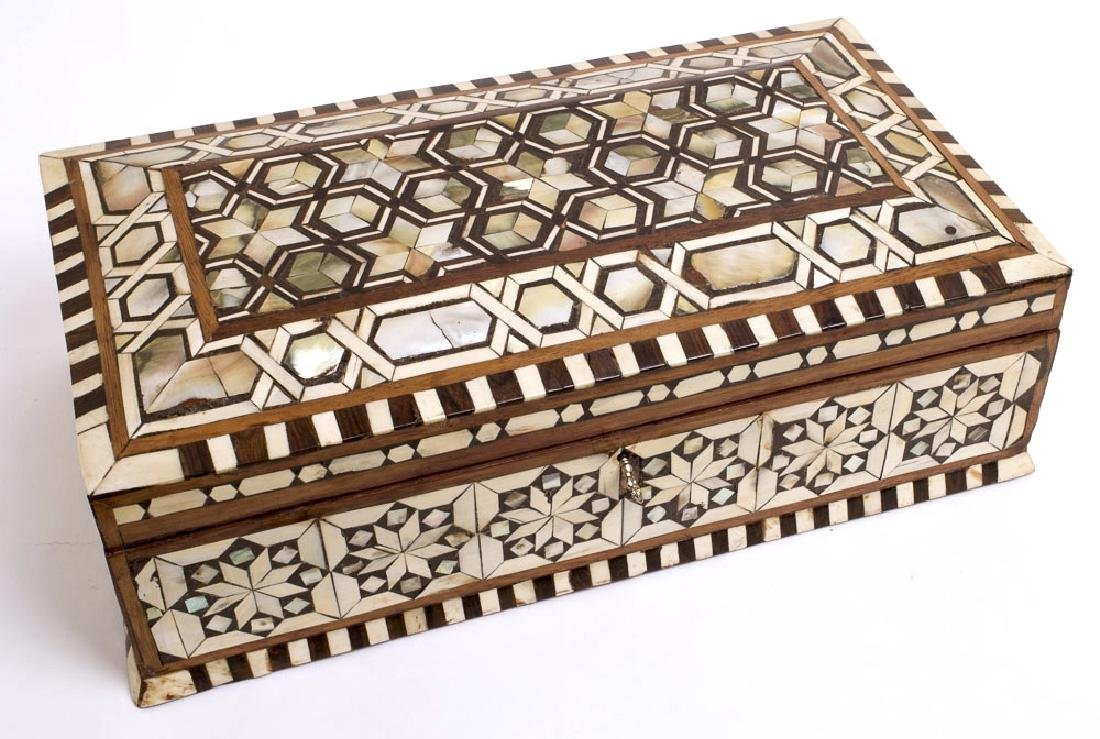 19th Century Ottoman Mother Of Pearls Inlaid Wood Box. - 2