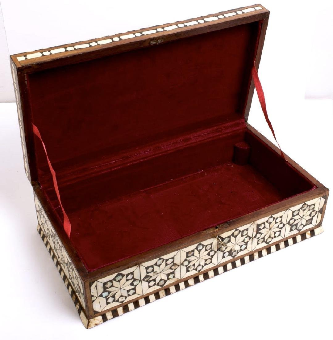 19th Century Ottoman Mother Of Pearls Inlaid Wood Box. - 3