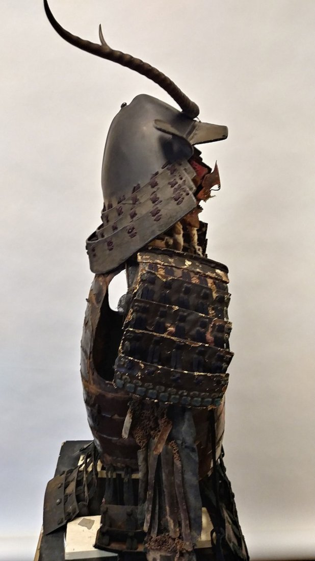 Antique Japanese samurai armor set, - 5