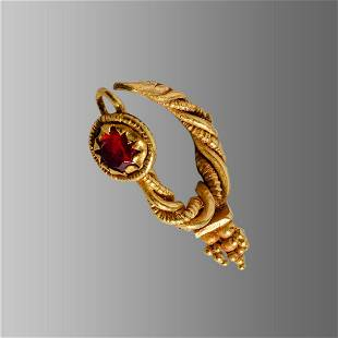 Ancient Roman Gold Earring c.1st-2nd cent AD.