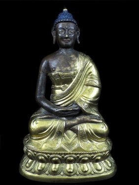 Chinese Or Tibetan Statue Of Buddha.made Of Gilt Copper