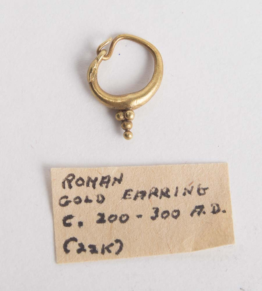 Ancient Roman Gold Single Earring c.2nd century AD