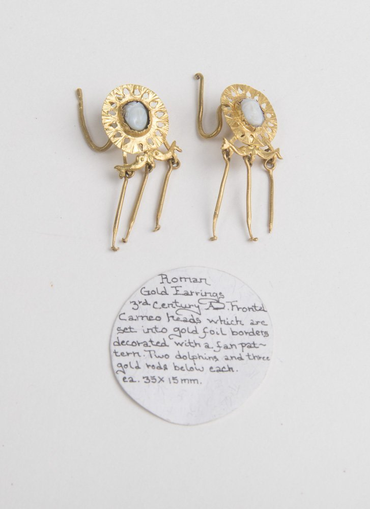 Ancient Roman Gold Earrings with cameo c.3rd Century AD