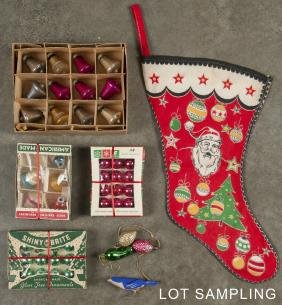 Collection of vintage Christmas ornaments, to inc