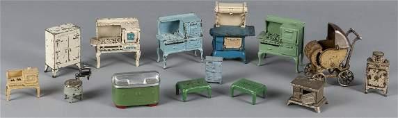 Thirteen pieces of Arcade cast iron dollhouse fur