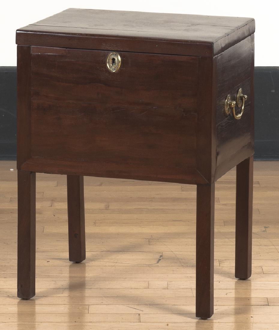 George III mahogany cellarette, late 18th c., 25