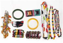 Collection of Bakelite jewelry, to include four n