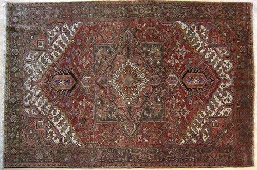 5C: Roomsize Heriz rug, ca. 1940, 11'4'' x 8'2''.