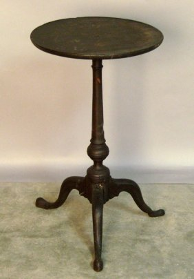 502: Pennsylvania Queen Anne walnut candlestand, 18th