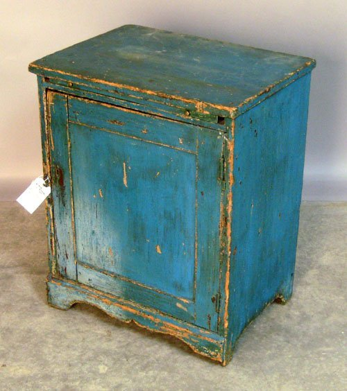504: Painted pine cabinet, 19th c., 25 1/2'' h., 20 1/4