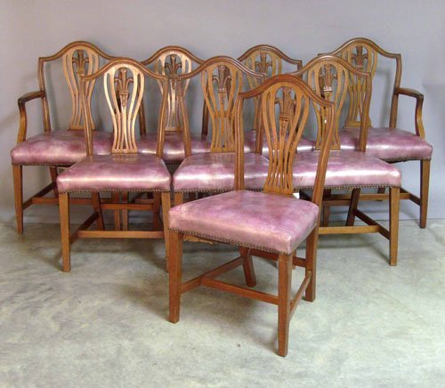 142: Set of eight Federal style mahogany dining chairs