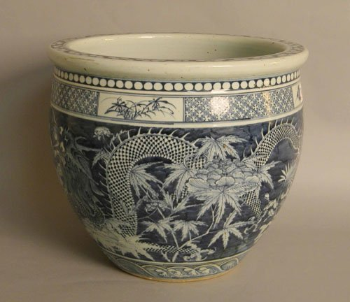 28: Chinese export porcelain jardinière, early 20th c