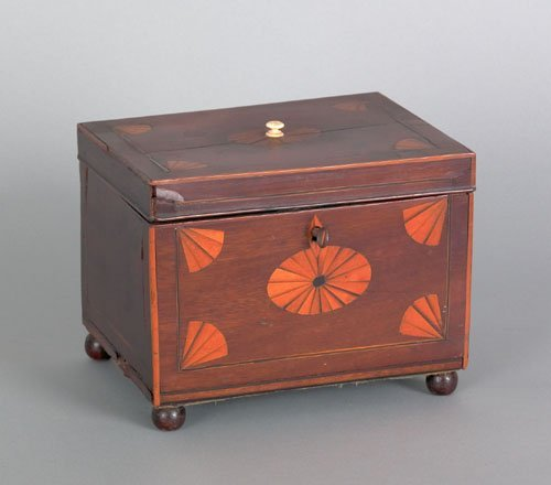 366: Hepplewhite mahogany tea caddy, ca. 1810, with