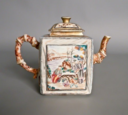 117: Chinese export porcelain teapot, 19th c., 7 1/4''