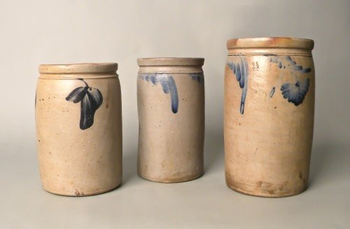 524: Three stoneware crocks, 19th c., probably Bell Po