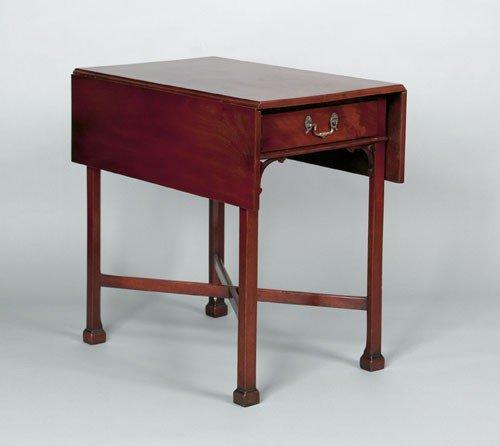 5: Philadelphia Chippendale mahogany Pembroke table