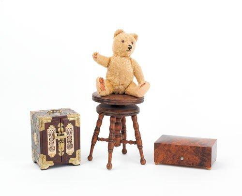 622: Mohair teddy bear, early 20th c., 11 1/2'' h., tog