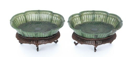 666: Pair of Chinese spinach green jade Mughal style