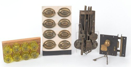 613: Collection of hardware to include eight brass ova