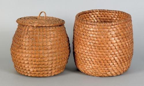 11: Two rye straw baskets, 19th c., one lidded, 12''