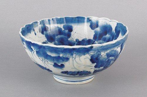 17: Imari blue and white bowl, late 19th c., 4 3/4'' h
