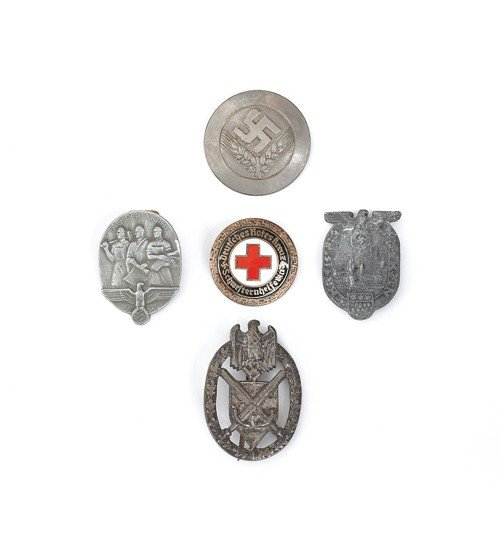 611Y: Group of five German WWII pins, to include RAD, 1
