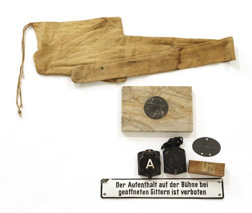 612H: Miscellaneous German WWII items, to include two f