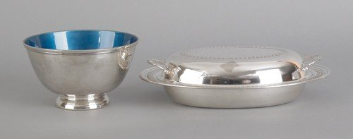 690: Collection of silver plated tablewares. - 2