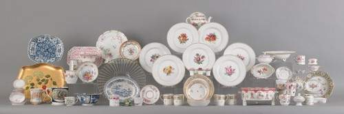 800Q: Large group of miscellaneous porcelain tableware,