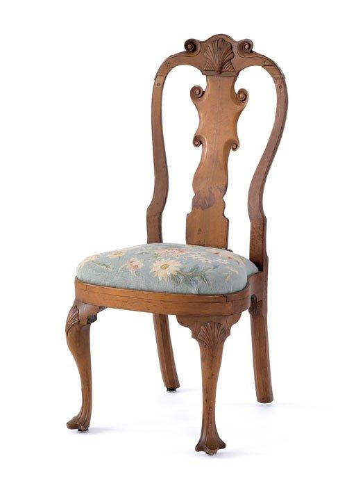 298: Delaware Valley Queen Anne walnut compass seat d