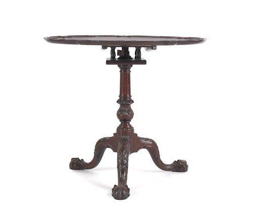 712: Fine carved Philadelphia mahogany Chippendale sty
