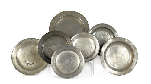 814: Seven pewter basins and chargers, 19th c., larges