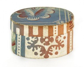 Oval Wallpaper Box, 19th C., With Floral Decora