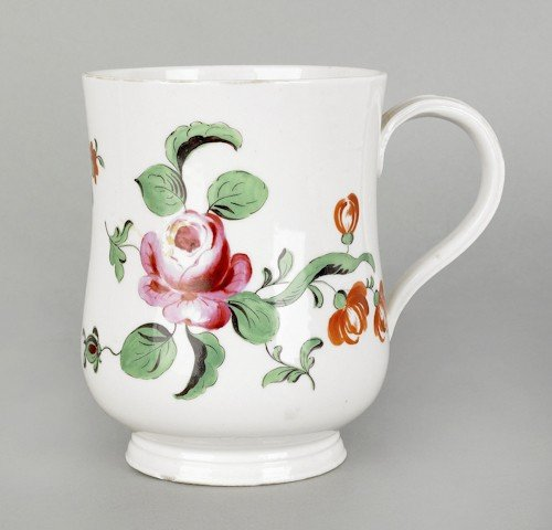 364: Chinese porcelain mug, ca. 1770, with floral decor